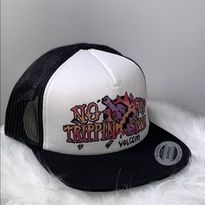 NWTs VOLCOM • No Trippin Just Sippin SnapBack Hat